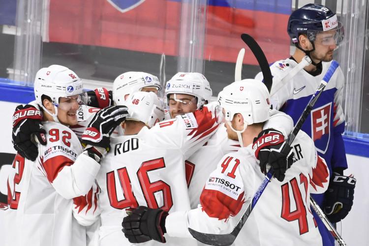 bab71fd266d56 MS v hokeji 2018 Švajčiarsko porazilo Kanadu a zahrá si o zlato
