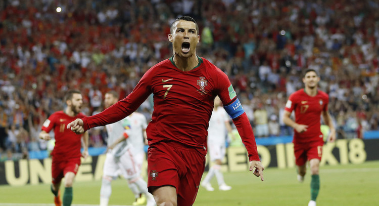 31fc72388149d Portugalsko po hetriku Ronalda hralo so Španielskom 3:3 |MS vo ...