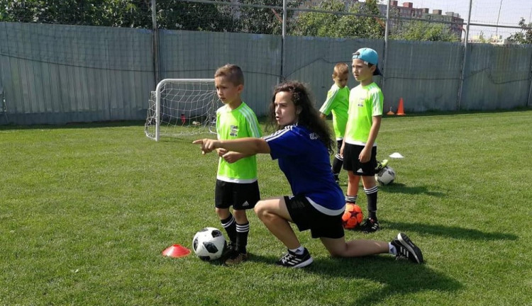 732d7dce4 Smiali sa jej, keď ako dievča hrala futbal. Dnes je jedinou trénerkou  futbalu v Košiciach